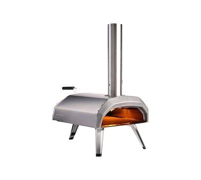 Pizzaovn best i test Ooni Karu